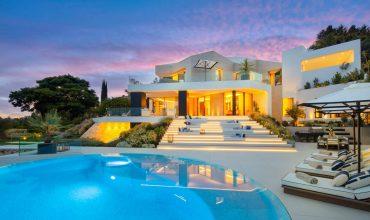 Villa moderna de vanguardia con vistas panorámicas